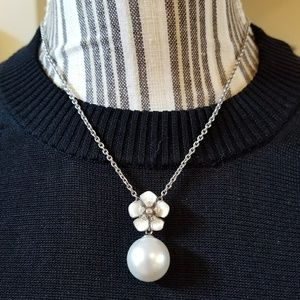 Belle Etoile Sterling Silver Snowdrop Necklace